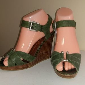 Juicy Couture Leather Platform Wedge Sandals 6.5
